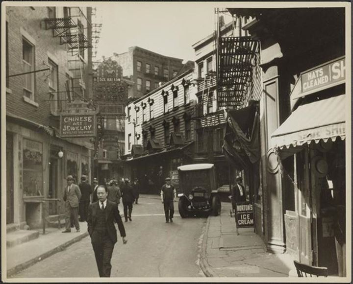 608 Doyers Street, 1932