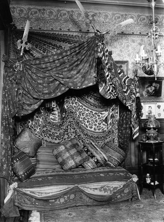 Chinese furnishings in situ in Chinatown Market, 1930