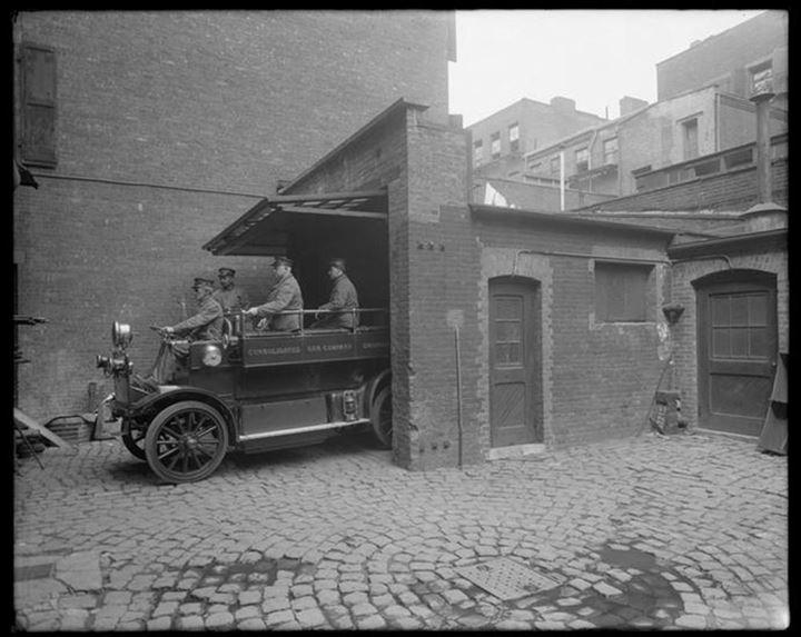 Hester Street and Elizabeth Street Emergency Station, 1915