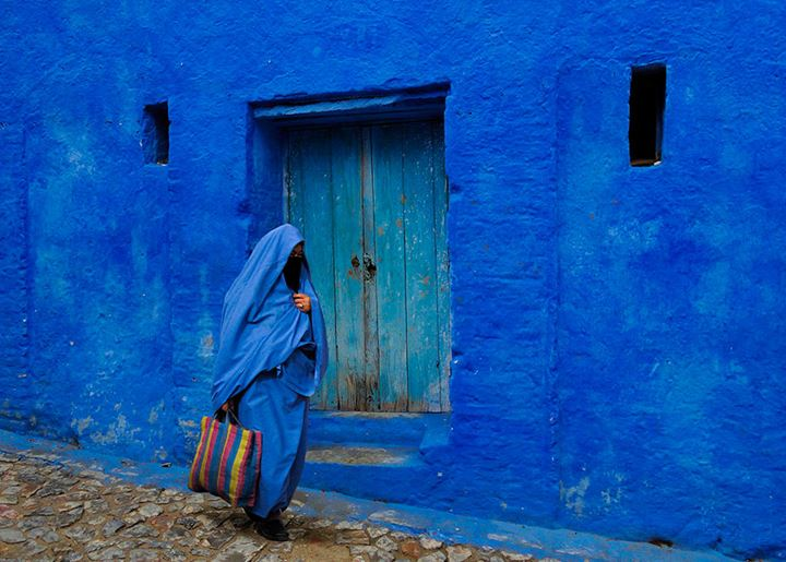 blue-streets-of-chefchaouen-morocco-17