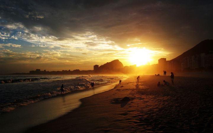 copacabana-rio-de-janeiro-beach-sunset