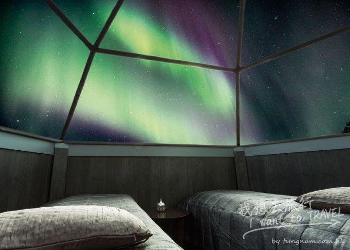 aurora-borealis-northern-lights-arctic-snow-hotel-rovaniemi-lapland-finland-825x589