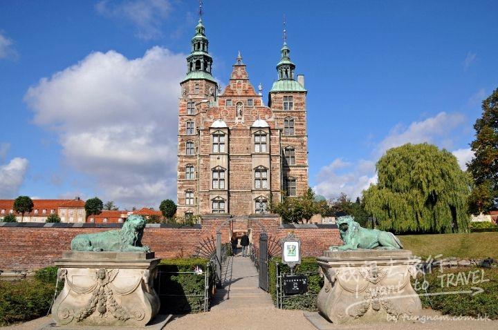 Rosenborg_Castle_lions