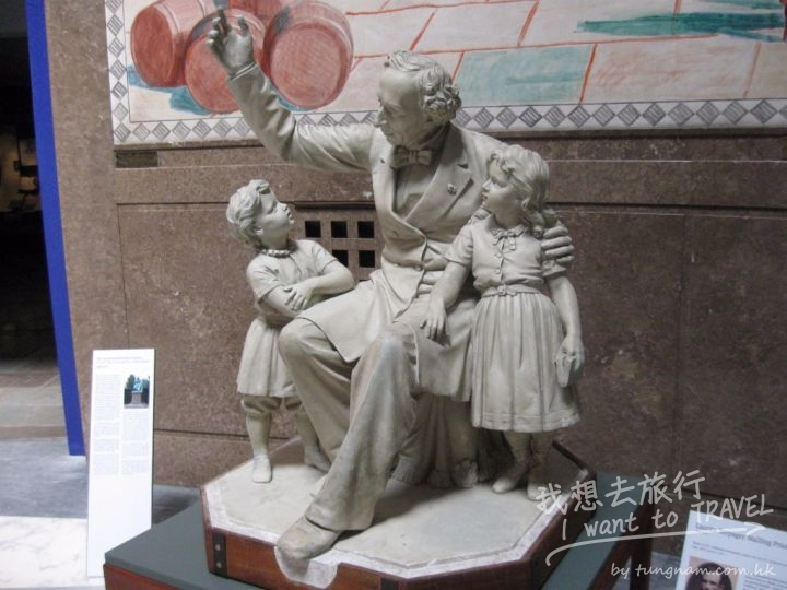 The Hans Christian Andersen Museum3